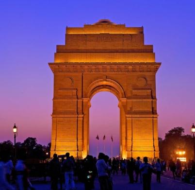 New-Delhi-India-War-Memorial-arch-Sir